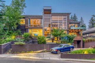 Photo 1: 2906 Marquette Street SW in Calgary: Upper Mount Royal Detached for sale : MLS®# A1135789