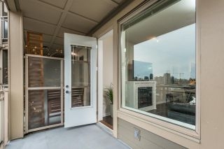 """Photo 12: 401 119 W 22ND Street in North Vancouver: Central Lonsdale Condo for sale in """"Anderson Walk"""" : MLS®# R2436594"""