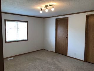 Photo 6: 10487 98 Street: Taylor Manufactured Home for sale (Fort St. John (Zone 60))  : MLS®# R2422483