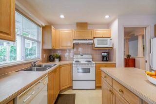 """Photo 10: 171 20391 96 Avenue in Langley: Walnut Grove Townhouse for sale in """"Chelsea Green"""" : MLS®# R2573525"""