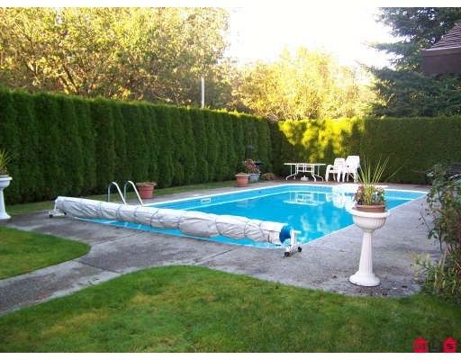 """Photo 8: Photos: 13253 AMBLE GREENE Court in White_Rock: Crescent Bch Ocean Pk. House for sale in """"Amble Greene"""" (South Surrey White Rock)  : MLS®# F2800291"""