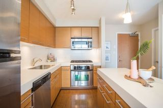 "Photo 3: 906 2770 SOPHIA Street in Vancouver: Mount Pleasant VE Condo for sale in ""Stella"" (Vancouver East)  : MLS®# R2255051"