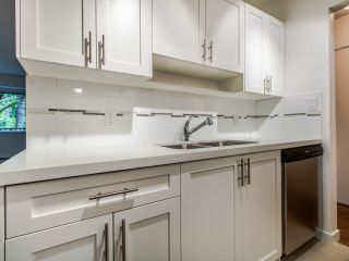 """Photo 14: 208 357 E 2ND Street in North Vancouver: Lower Lonsdale Condo for sale in """"Hendricks"""" : MLS®# R2470726"""