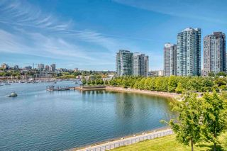 """Photo 1: 705 1383 MARINASIDE Crescent in Vancouver: Yaletown Condo for sale in """"COLUMBUS"""" (Vancouver West)  : MLS®# R2594508"""