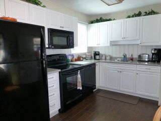 Photo 7: 2 7850 King George Boulevard in Surrey: East Newton Manufactured Home for sale : MLS®# F1418453