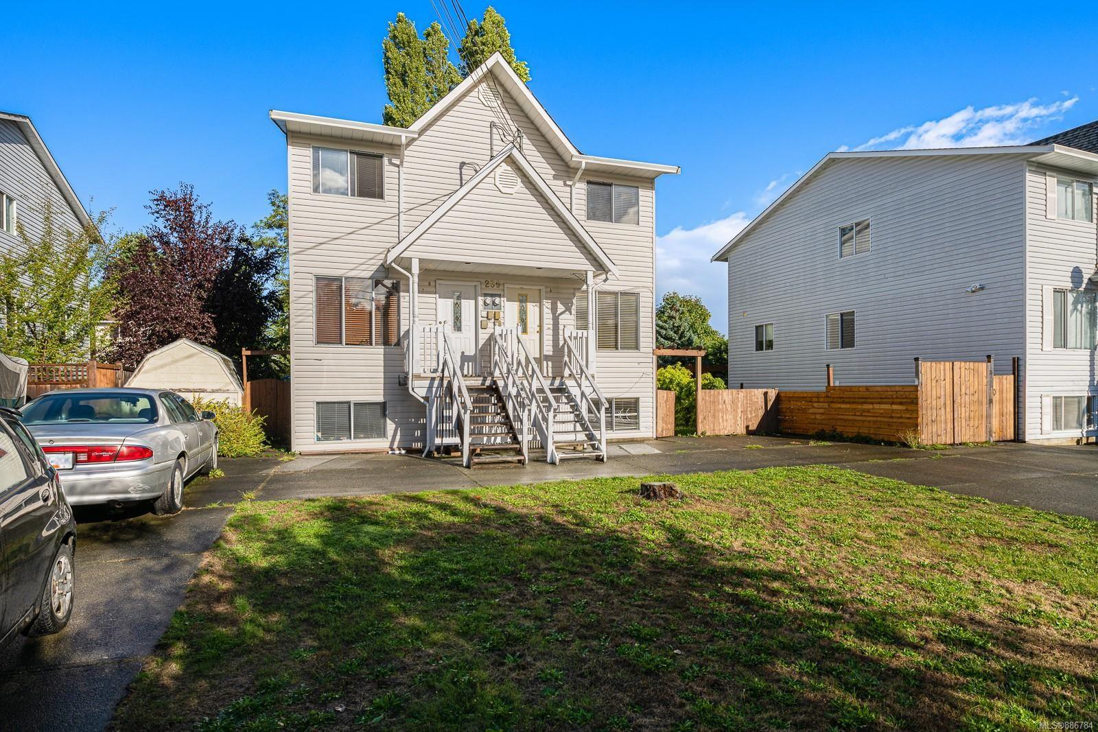 Main Photo: 239B Mitchell Pl in : CV Courtenay City Half Duplex for sale (Comox Valley)  : MLS®# 886784