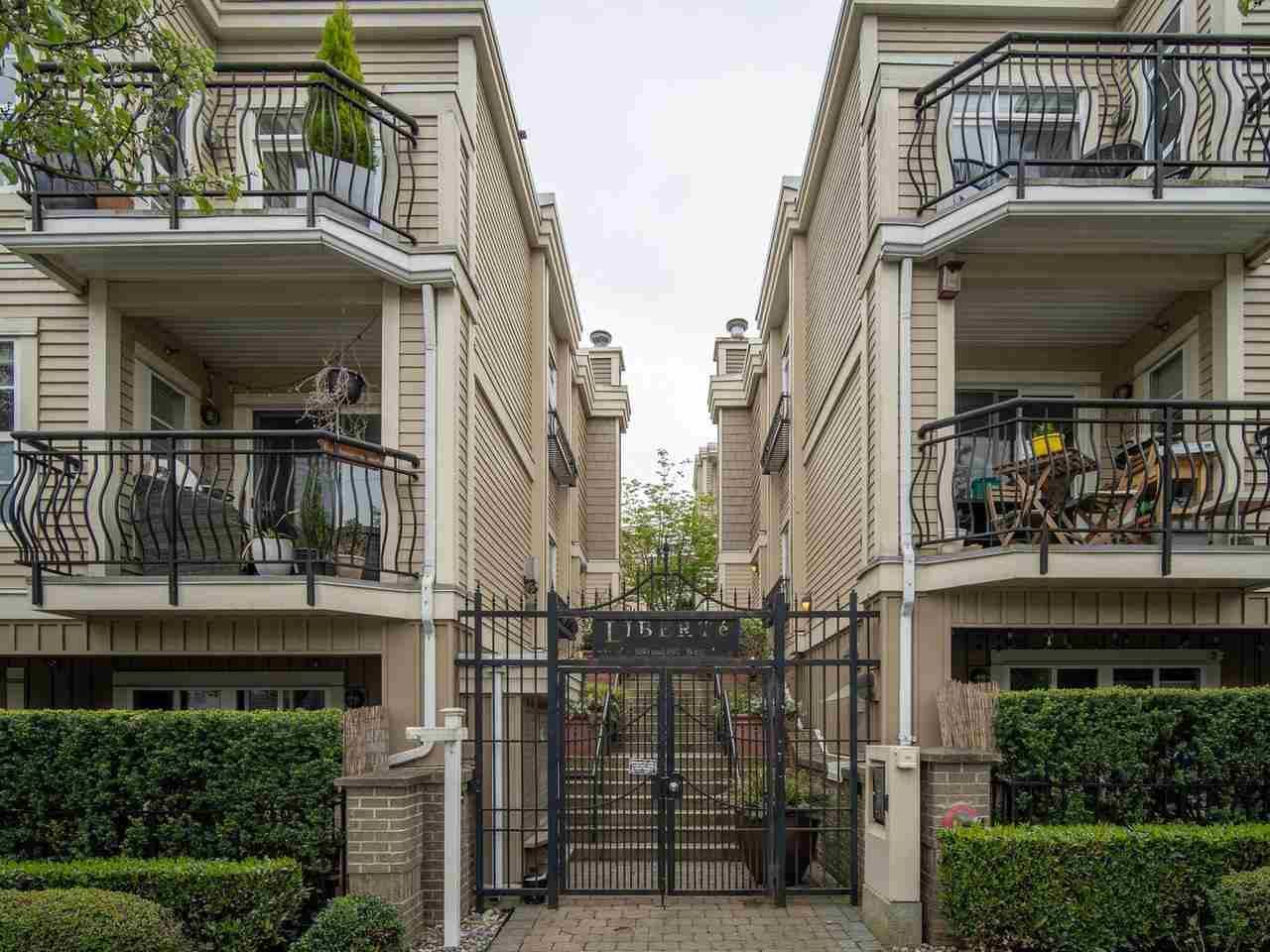 """Main Photo: 318 678 W 7TH Avenue in Vancouver: Fairview VW Townhouse for sale in """"LIBERTE"""" (Vancouver West)  : MLS®# R2575214"""