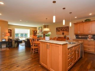 Photo 13: 105 1055 Crown Isle Dr in COURTENAY: CV Crown Isle Row/Townhouse for sale (Comox Valley)  : MLS®# 740518
