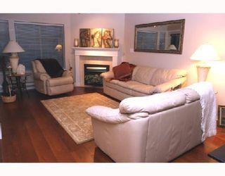 "Photo 3: 202 1118 55TH Street in Tsawwassen: Tsawwassen Central Condo for sale in ""CAMBRIDGE PLACE"" : MLS®# V760577"