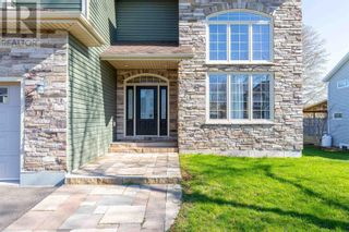 Photo 2: 82 Nash Drive in Charlottetown: House for sale : MLS®# 202111977