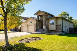 Photo 2: 31 Brittany Drive in Winnipeg: Charleswood Residential for sale (1G)  : MLS®# 202123181