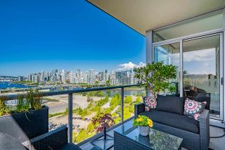 """Photo 23: 1702 1708 COLUMBIA Street in Vancouver: Mount Pleasant VW Condo for sale in """"Wall Centre False Creek"""" (Vancouver West)  : MLS®# R2580995"""