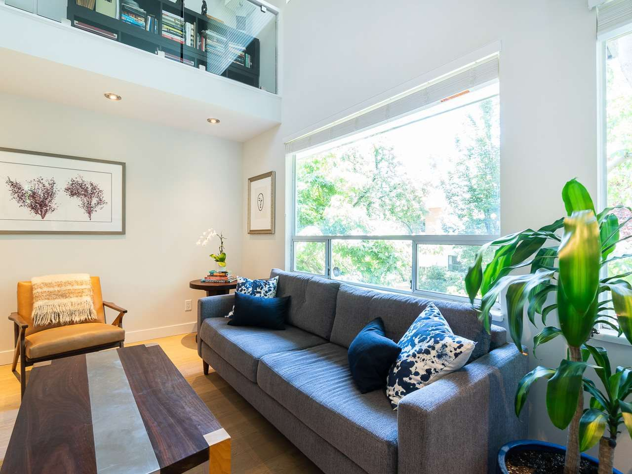 Main Photo: 412 1345 COMOX STREET in Vancouver: West End VW Condo for sale (Vancouver West)  : MLS®# R2286410