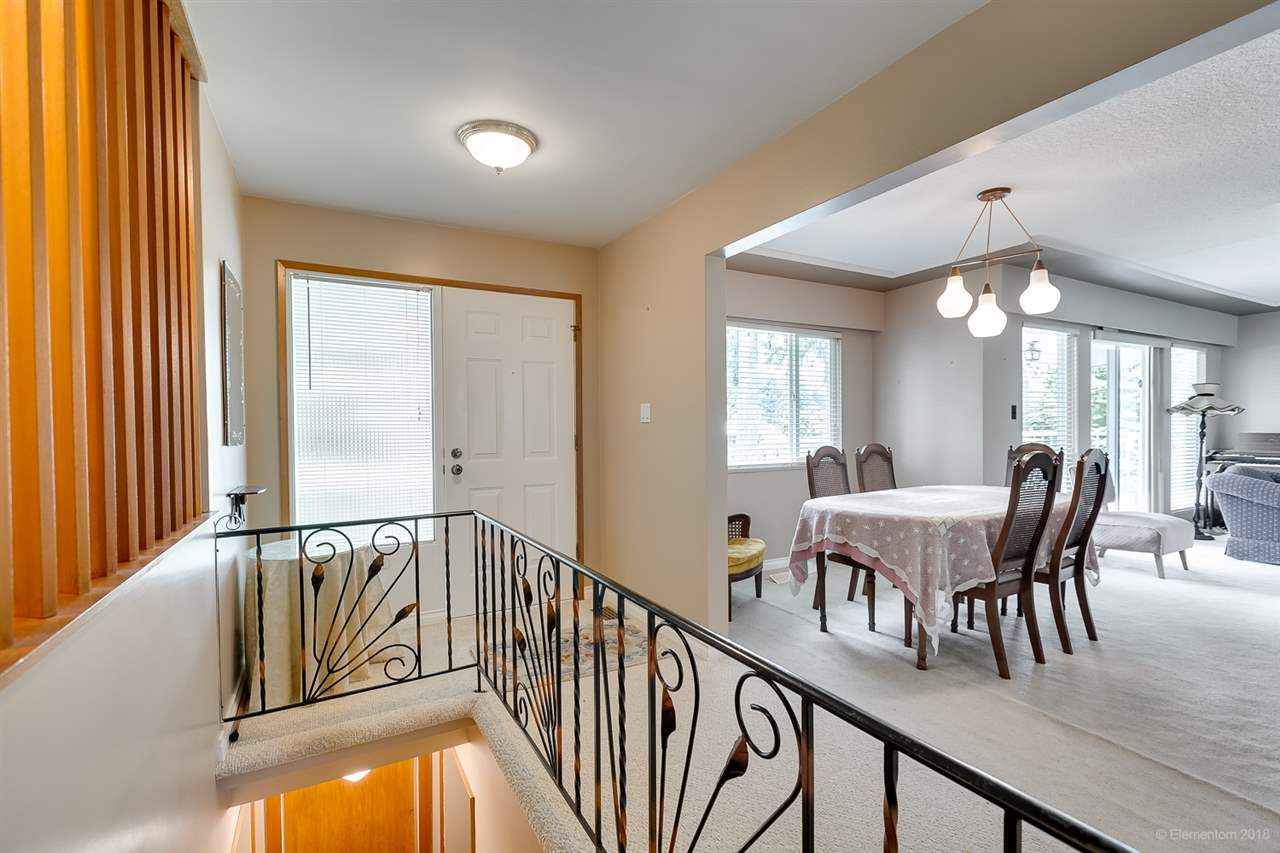 Photo 6: Photos: 1672 SPRICE Avenue in Coquitlam: Central Coquitlam House for sale : MLS®# R2389910
