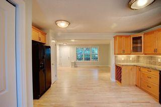 Photo 10: 2417 53 Avenue SW in Calgary: North Glenmore Park Semi Detached for sale : MLS®# C4299772