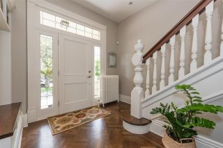 Photo 3: 231 THIRD Street in New Westminster: Queens Park House for sale : MLS®# R2371420