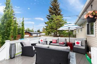 Photo 2: 432 Woodland Crescent SE in Calgary: Willow Park Detached for sale : MLS®# A1147020