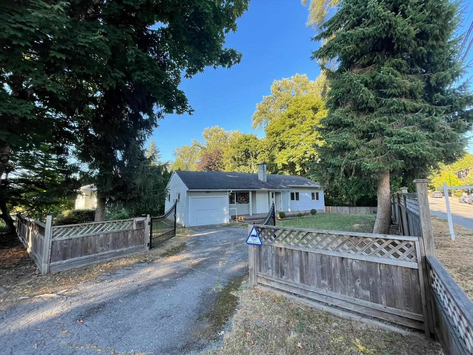 Main Photo: 22343 124 Avenue in Maple Ridge: West Central House for sale : MLS®# R2603774