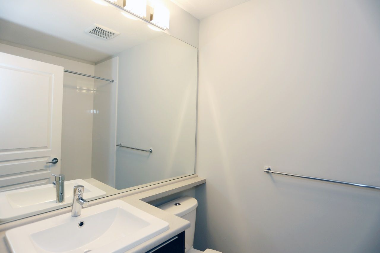"""Photo 14: Photos: 126 8138 204 Street in Langley: Willoughby Heights Townhouse for sale in """"Ashbury  & Oak"""" : MLS®# R2398814"""