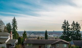 Photo 2: 4563 CLINTON Street in Burnaby: Metrotown House for sale (Burnaby South)  : MLS®# R2545743