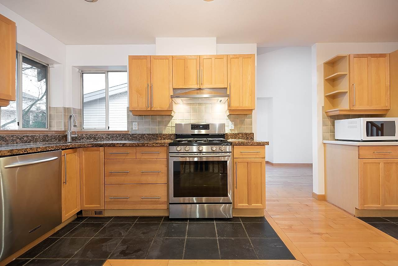 Photo 12: Photos: 1195 DURANT DRIVE in Coquitlam: Scott Creek House for sale : MLS®# R2522080