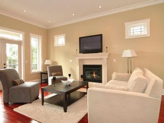 Photo 10: 4465 RUSKIN PLACE in NORTH VANCOUVER: Forest Hills NV House for sale (North Vancouver)  : MLS®# V1101451