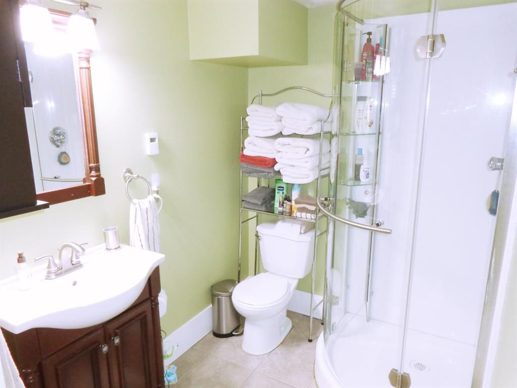 Photo 22: Photos: 5856 West Park Crescent in Red Deer: West Park Residential for sale : MLS®# A1067266