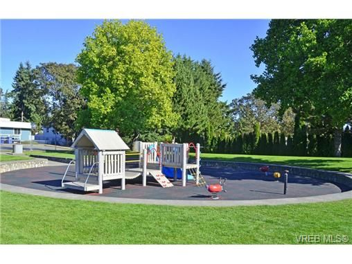Main Photo: 14 2771 Spencer Rd in VICTORIA: La Langford Proper Row/Townhouse for sale (Langford)  : MLS®# 718919