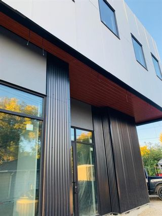 Photo 2: 2nd floor 1109 Edmonton Trail NE in Calgary: Crescent Heights Office for sale : MLS®# A1141611