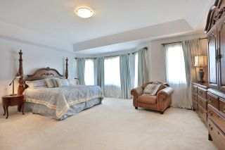 Photo 4: 2407 Taylorwood Drive in Oakville: Iroquois Ridge North House (2-Storey) for sale : MLS®# W3604780