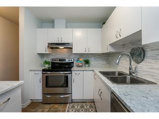 """Photo 8: 105 15991 THRIFT Avenue: White Rock Condo for sale in """"ARCADIAN"""" (South Surrey White Rock)  : MLS®# R2441323"""