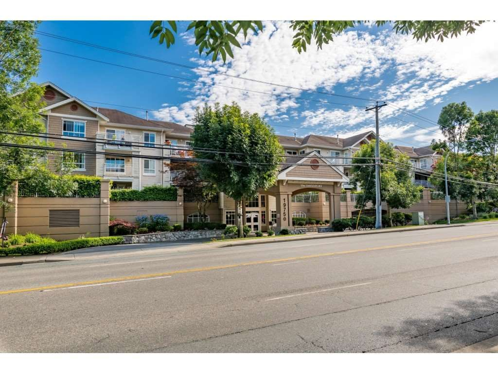 """Main Photo: 303 19750 64 Avenue in Langley: Willoughby Heights Condo for sale in """"Davenport"""" : MLS®# R2480874"""