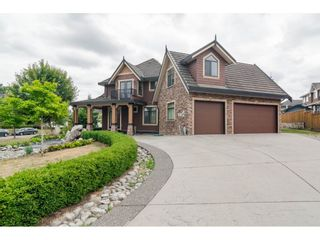 Photo 1: 8285 171A Street in Surrey: Fleetwood Tynehead House for sale : MLS®# R2235458