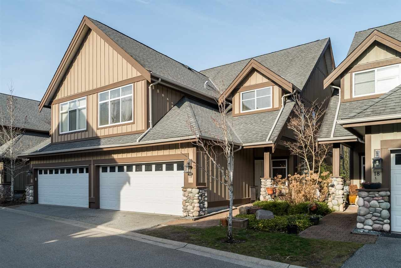 """Main Photo: 19 40750 TANTALUS Road in Squamish: Tantalus Townhouse for sale in """"MEIGHAN CREEK"""" : MLS®# R2038882"""