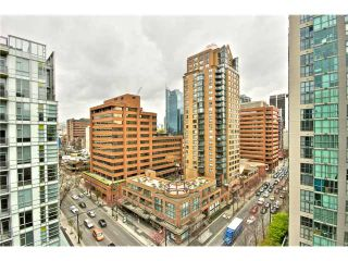 """Photo 10: 1403 1212 HOWE Street in Vancouver: Downtown VW Condo for sale in """"1212 Howe"""" (Vancouver West)  : MLS®# V1000365"""