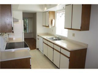 """Photo 10: 6950 TYNE Street in Vancouver: Killarney VE 1/2 Duplex for sale in """"CHAMPLAIN HEIGHTS"""" (Vancouver East)  : MLS®# V1044815"""