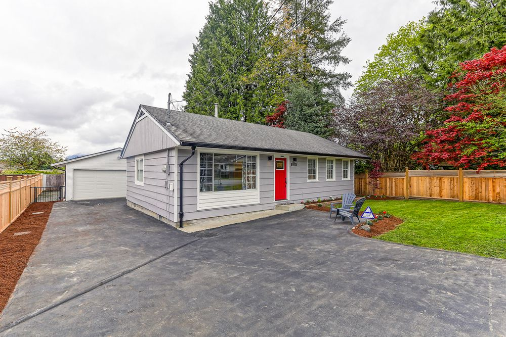 Main Photo: 22337 124th Avenue in Maple Ridge: Home for sale