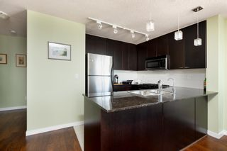 """Photo 8: 1701 39 SIXTH Street in New Westminster: Downtown NW Condo for sale in """"QUANTUM"""" : MLS®# R2615422"""