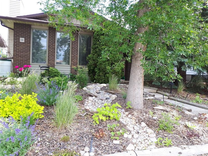 FEATURED LISTING: 20 Templewood Road Northeast Calgary