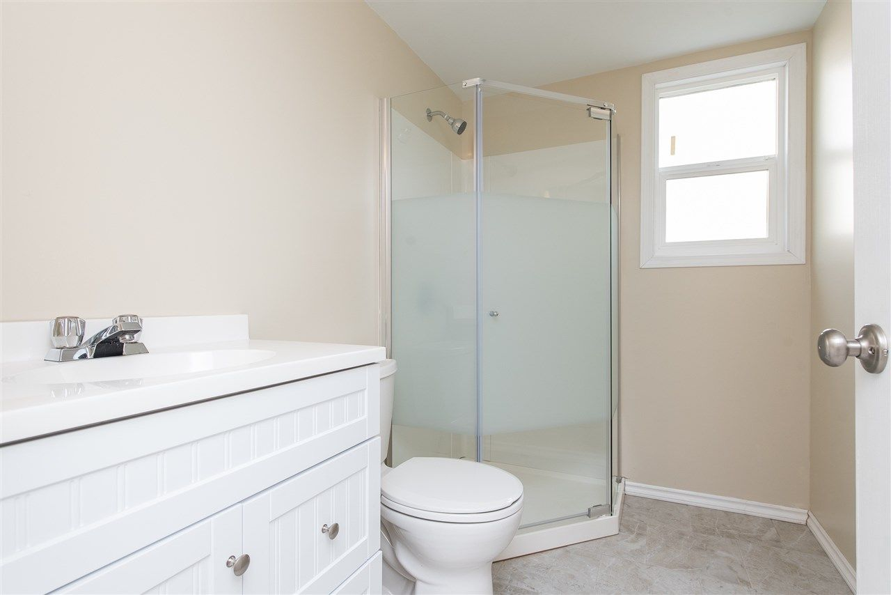 """Photo 29: Photos: 34717 5 Avenue in Abbotsford: Poplar House for sale in """"Huntingdon Village"""" : MLS®# R2483870"""
