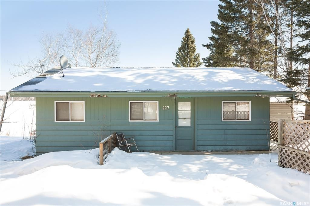 Main Photo: 227 Agnes Street in Emma Lake: Residential for sale : MLS®# SK846887