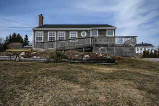 Photo 1: 9573 St. Margarets Bay Road in Queensland: 40-Timberlea, Prospect, St. Margaret`S Bay Residential for sale (Halifax-Dartmouth)  : MLS®# 202106416