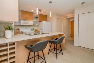 Photo 12: 1210 977 MAINLAND Street in Vancouver: Yaletown Condo for sale (Vancouver West)  : MLS®# R2592884