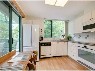 """Photo 7: 403 1765 MARTIN Drive in Surrey: Sunnyside Park Surrey Condo for sale in """"SOUTHWYND"""" (South Surrey White Rock)  : MLS®# F1415442"""