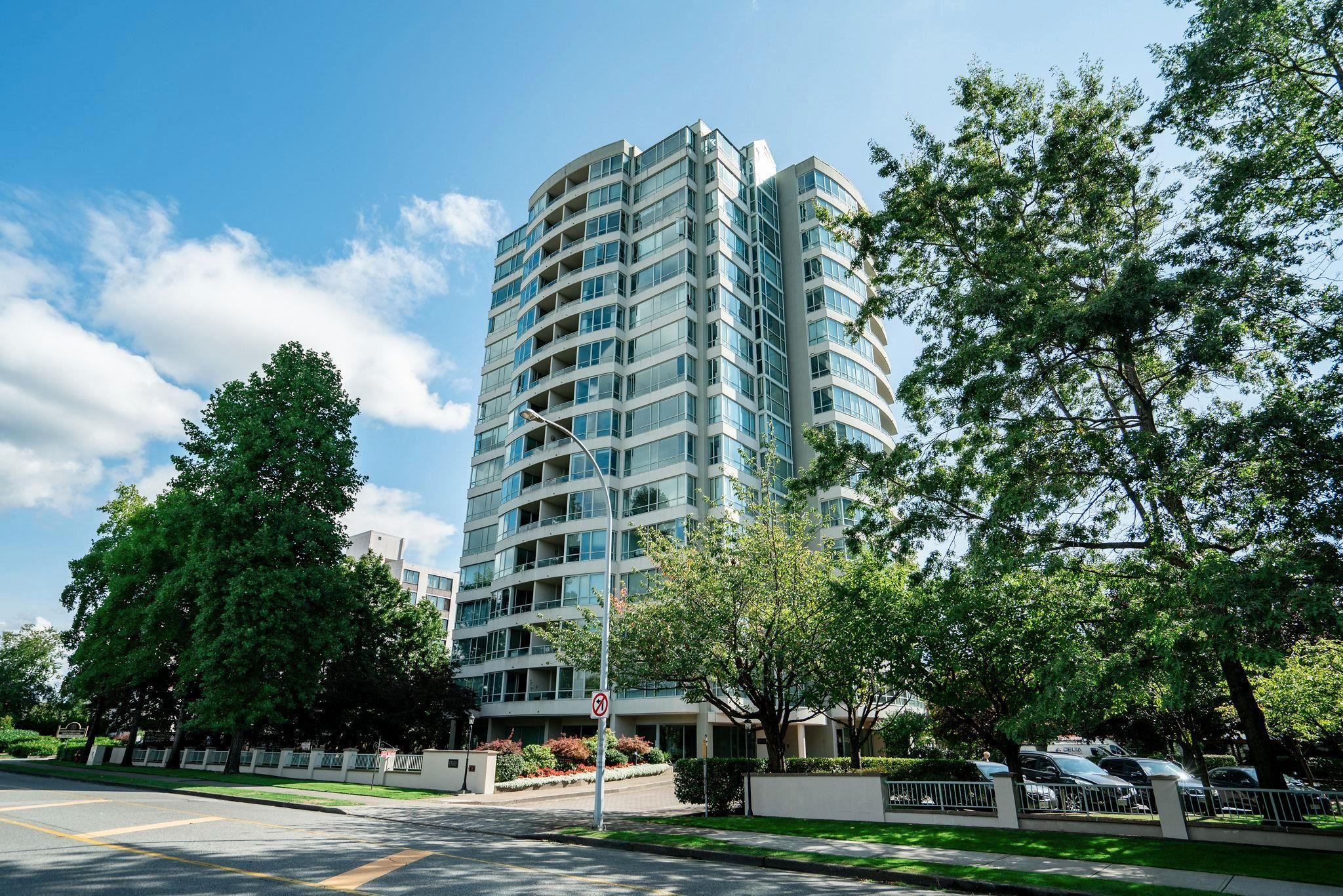 "Main Photo: 803 15038 101 Avenue in Surrey: Guildford Condo for sale in ""Guildford Marquis"" (North Surrey)  : MLS®# R2617604"