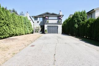 Photo 1: 1820 Keys Place in Abbotsford: Central Abbotsford House for sale : MLS®# R2606197