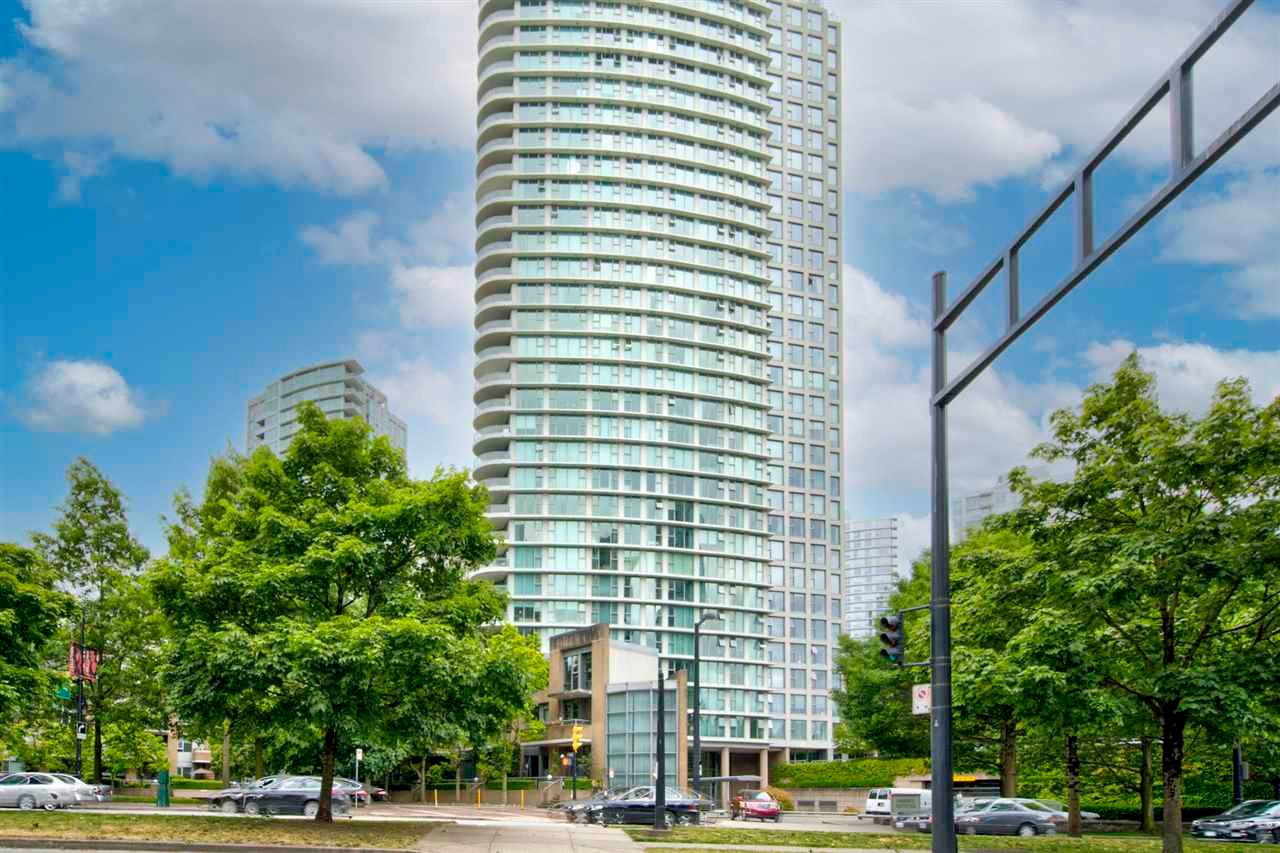 """Main Photo: 1602 1009 EXPO Boulevard in Vancouver: Yaletown Condo for sale in """"Landmark 33"""" (Vancouver West)  : MLS®# R2593362"""