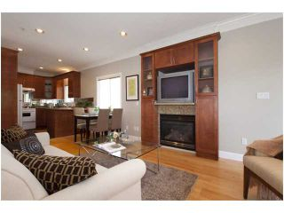 Photo 2: 1428 E 8TH Avenue in Vancouver: Grandview VE 1/2 Duplex for sale (Vancouver East)  : MLS®# V827285