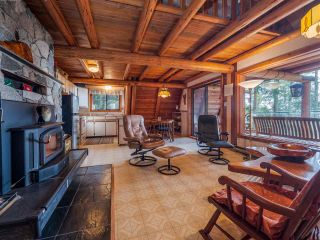 Photo 6: 8484 REDROOFFS Road in Halfmoon Bay: Halfmn Bay Secret Cv Redroofs House for sale (Sunshine Coast)  : MLS®# R2545137