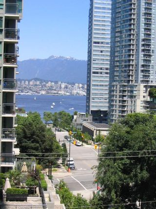 """Photo 1: 509 1331 W GEORGIA Street in Vancouver: Coal Harbour Condo for sale in """"THE POINTE"""" (Vancouver West)  : MLS®# R2431907"""